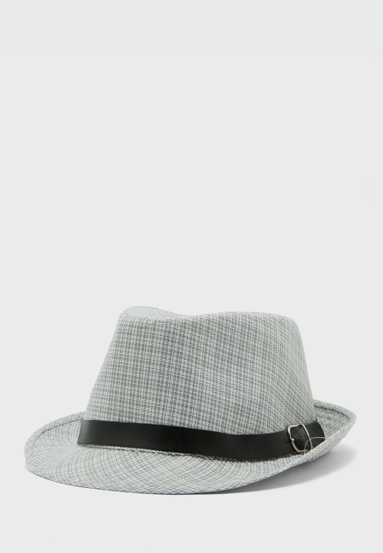 قبعة محبوكة