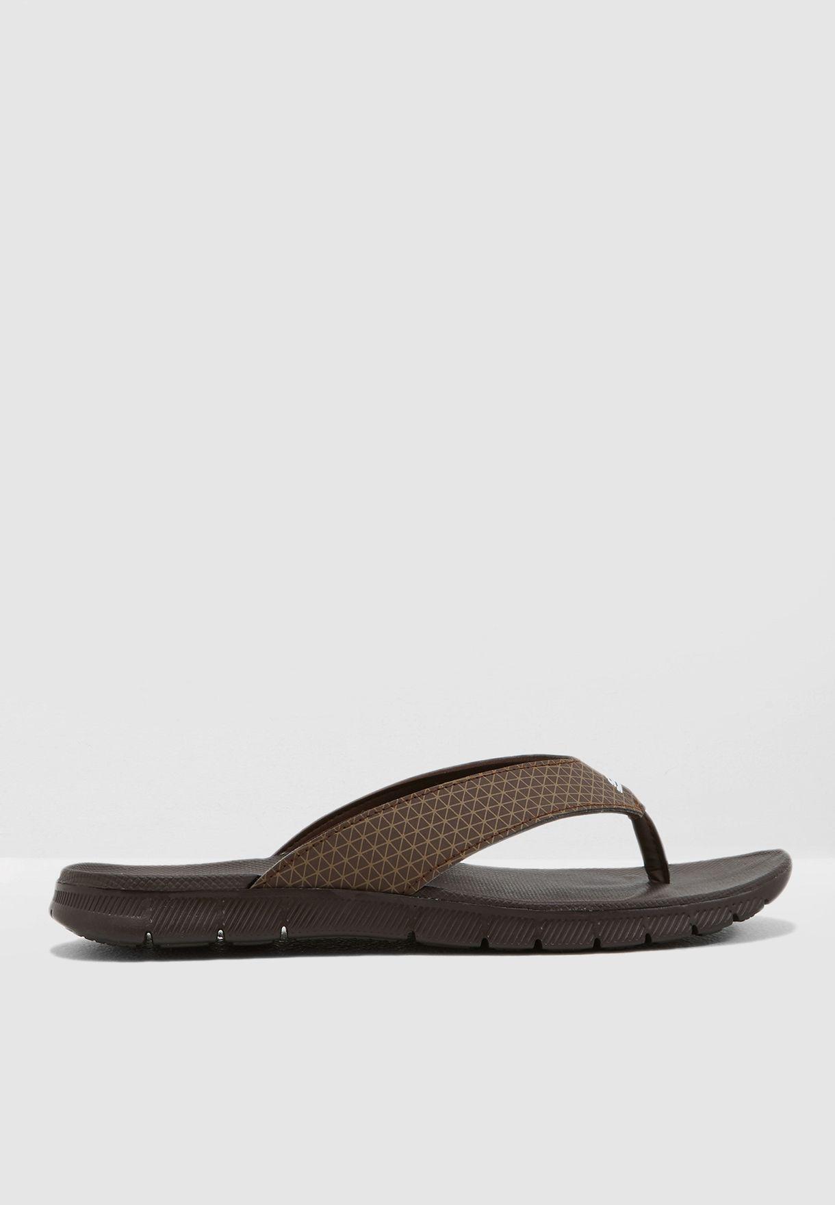 حذاء مِن سبورت