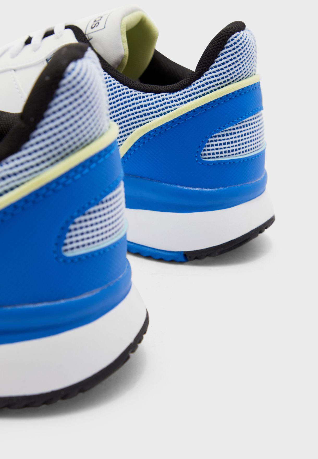 حذاء كورتسماش
