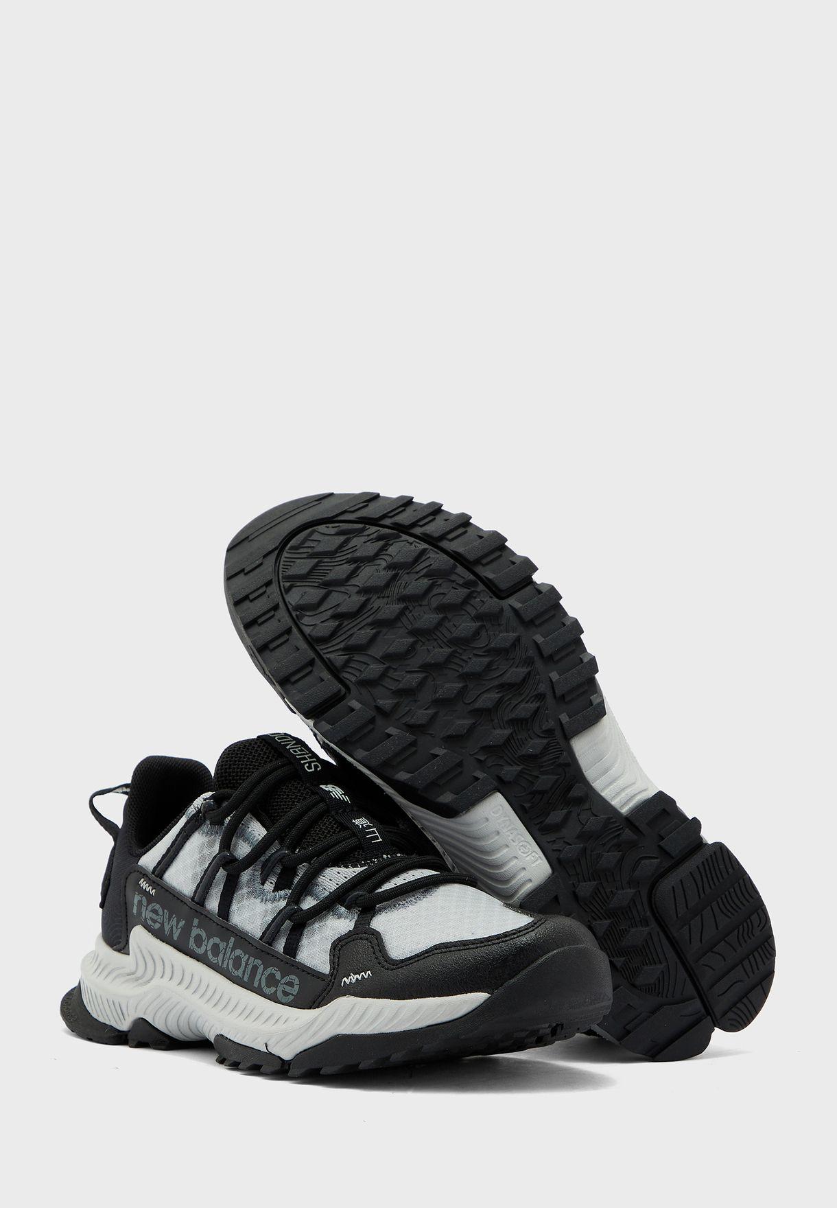 حذاء شاندو