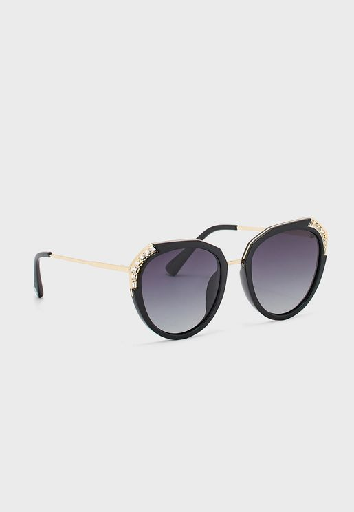 Oversized Sunglasses With Diamamte Frame Detail