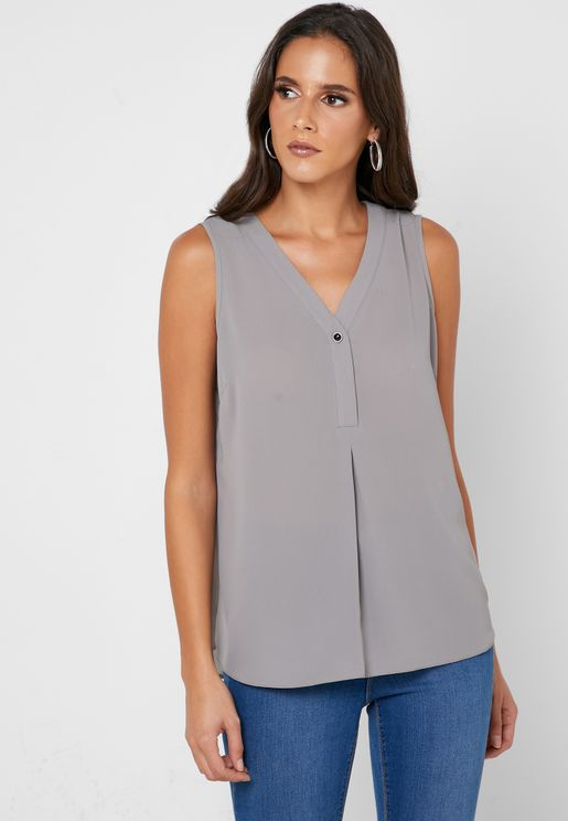 Button Detail Sleeveless Top