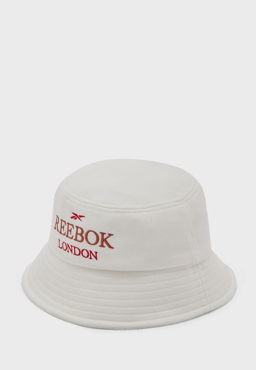 قبعة دلو كلاسيكية بشعار الماركة