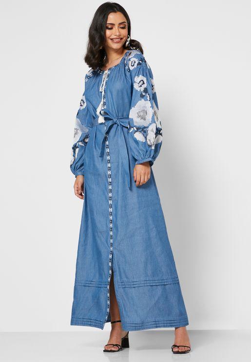 فستان بتطريز واربطة