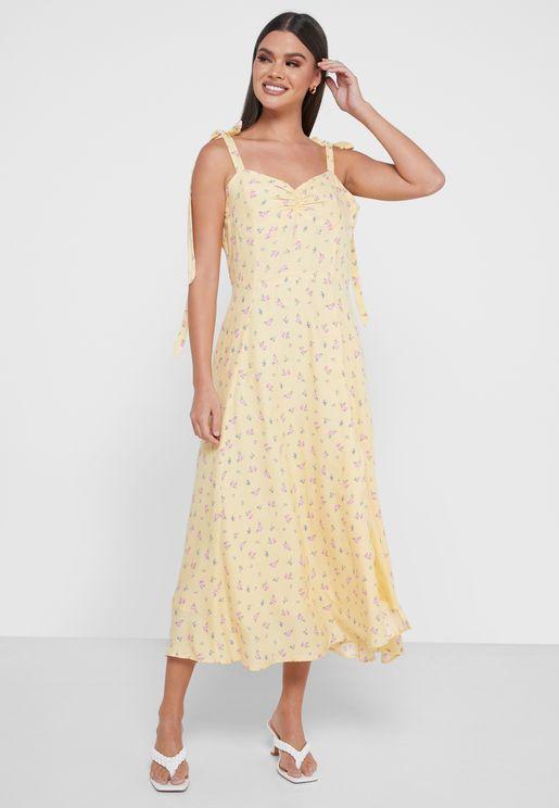 فستان مطبع بشق جانبي