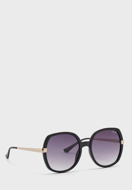 نظارة شمسية كبيرة انيقة