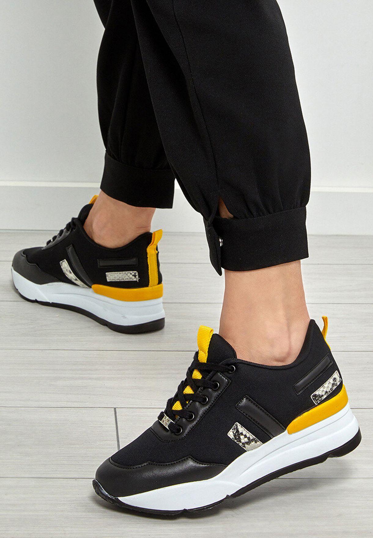 Butigo Low Top Sneaker