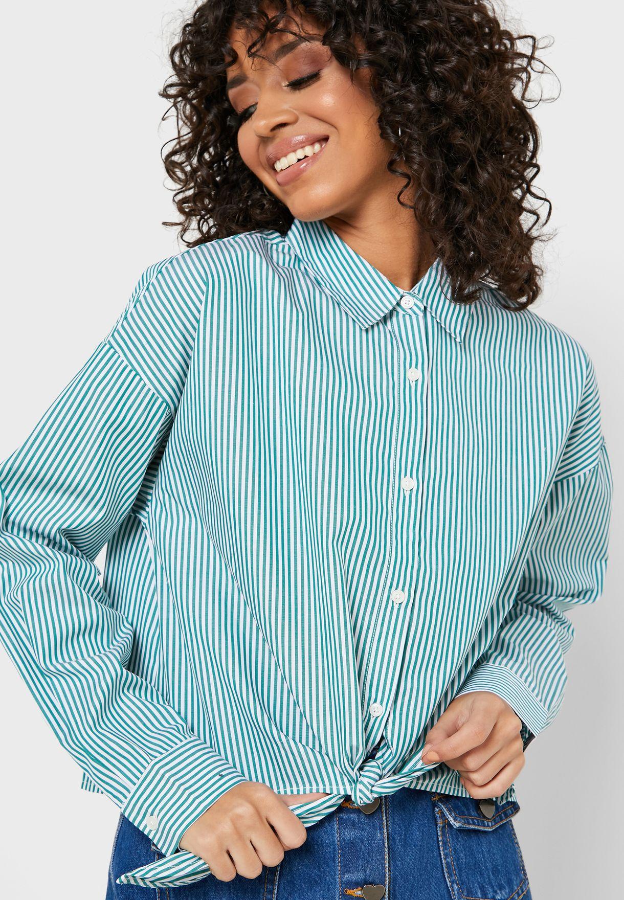 قميص بعقدة امامية