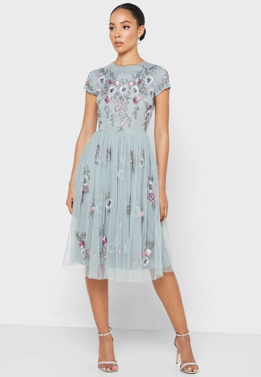 Embroidered Detail Pleated Dress
