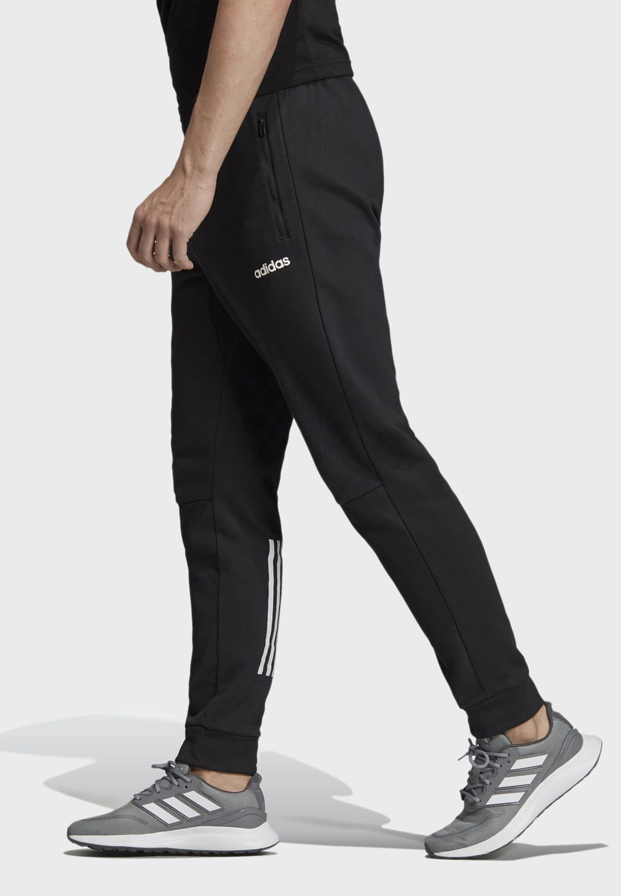 Motion Pack Tapered Sweatpants