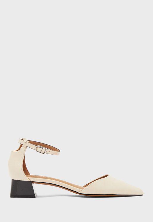 حذاء بكعب سميك وسيور