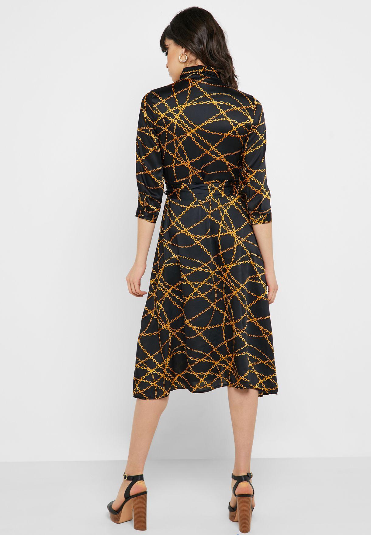 فستان ساتان بأزرار امامية