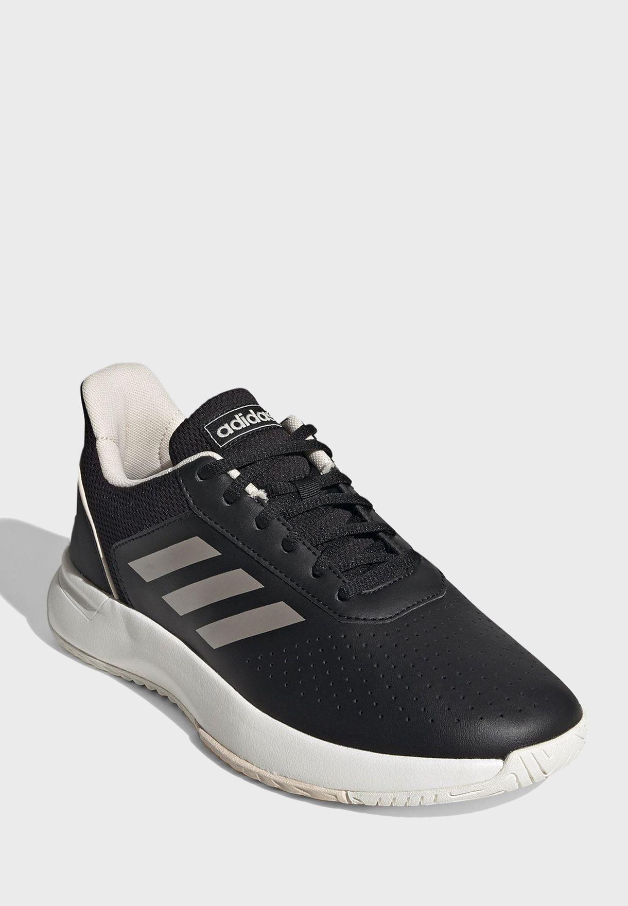 حذاء كورتس ماش