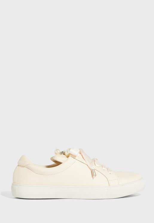 Pearl Embellished Lace Up Sneaker