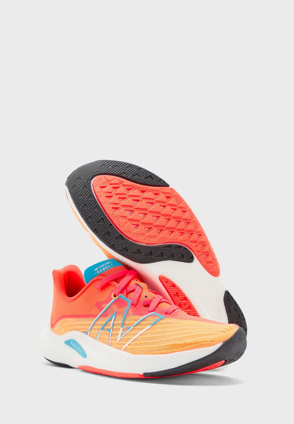 حذاء ريبيل