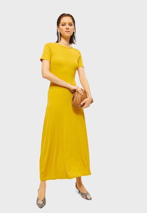 فستان مكسي باكمام قصيرة