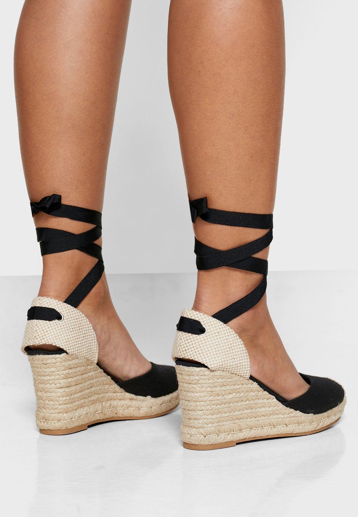 Trinidad Ankle Strap Pump