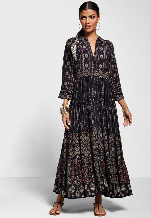 فستان مطبع بياقة كلاسيكية