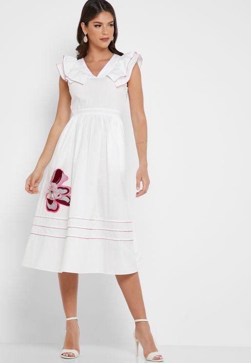 فستان مزين بزهرة