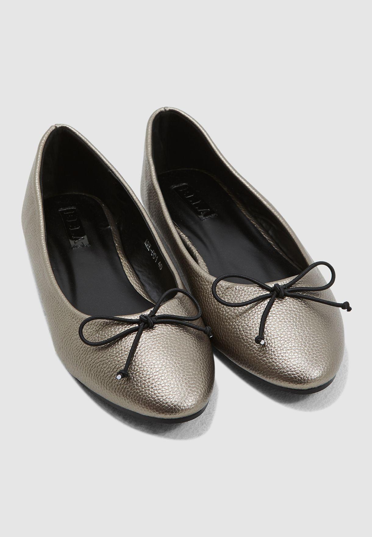 Round Toe Ballerinas