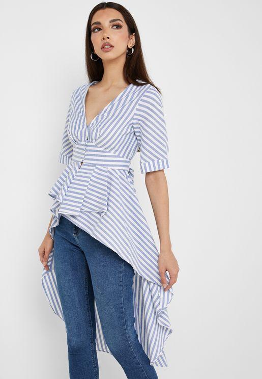 بلوزة بنمط قميص بخطوط وحواف متباينة في الطول