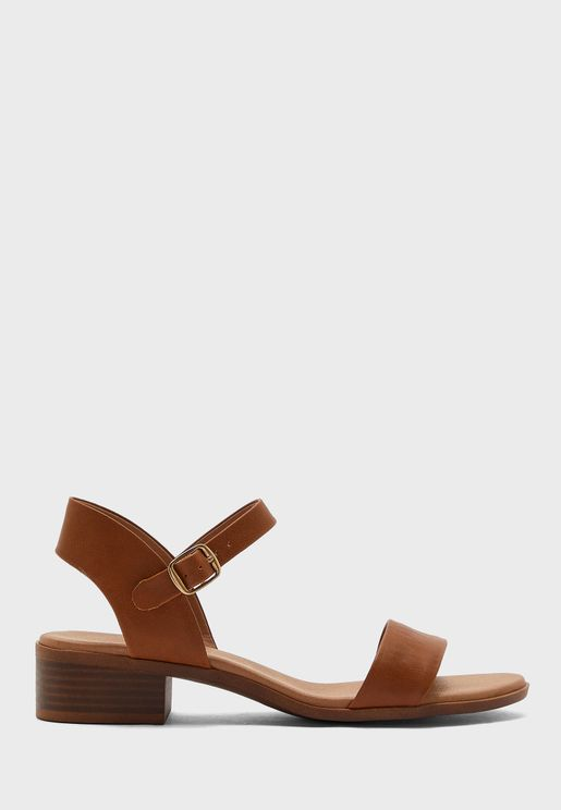 Platypussy Flat Sandal