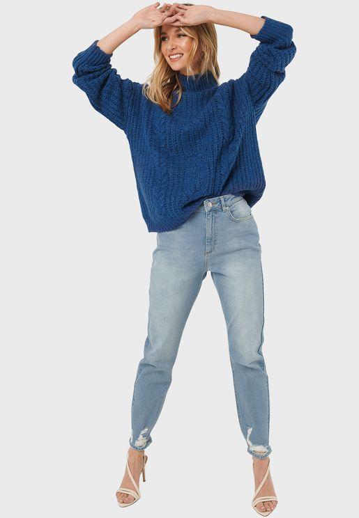 جينز مام بشقوق عند الاطراف