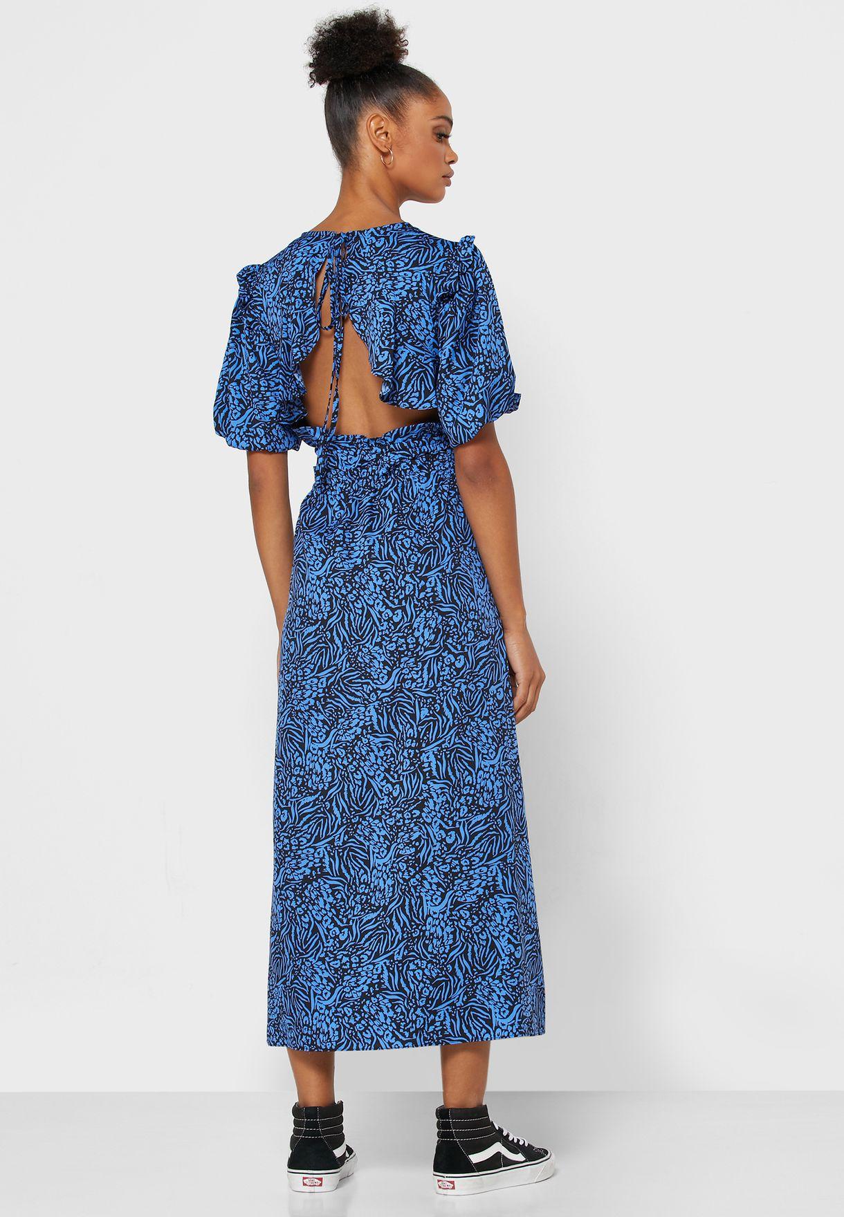 فستان مطبع باكمام منفوشة