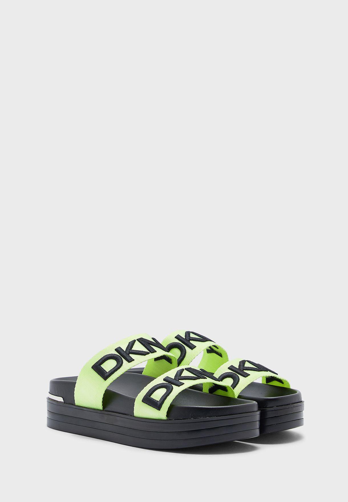 Tee Flat Sandals