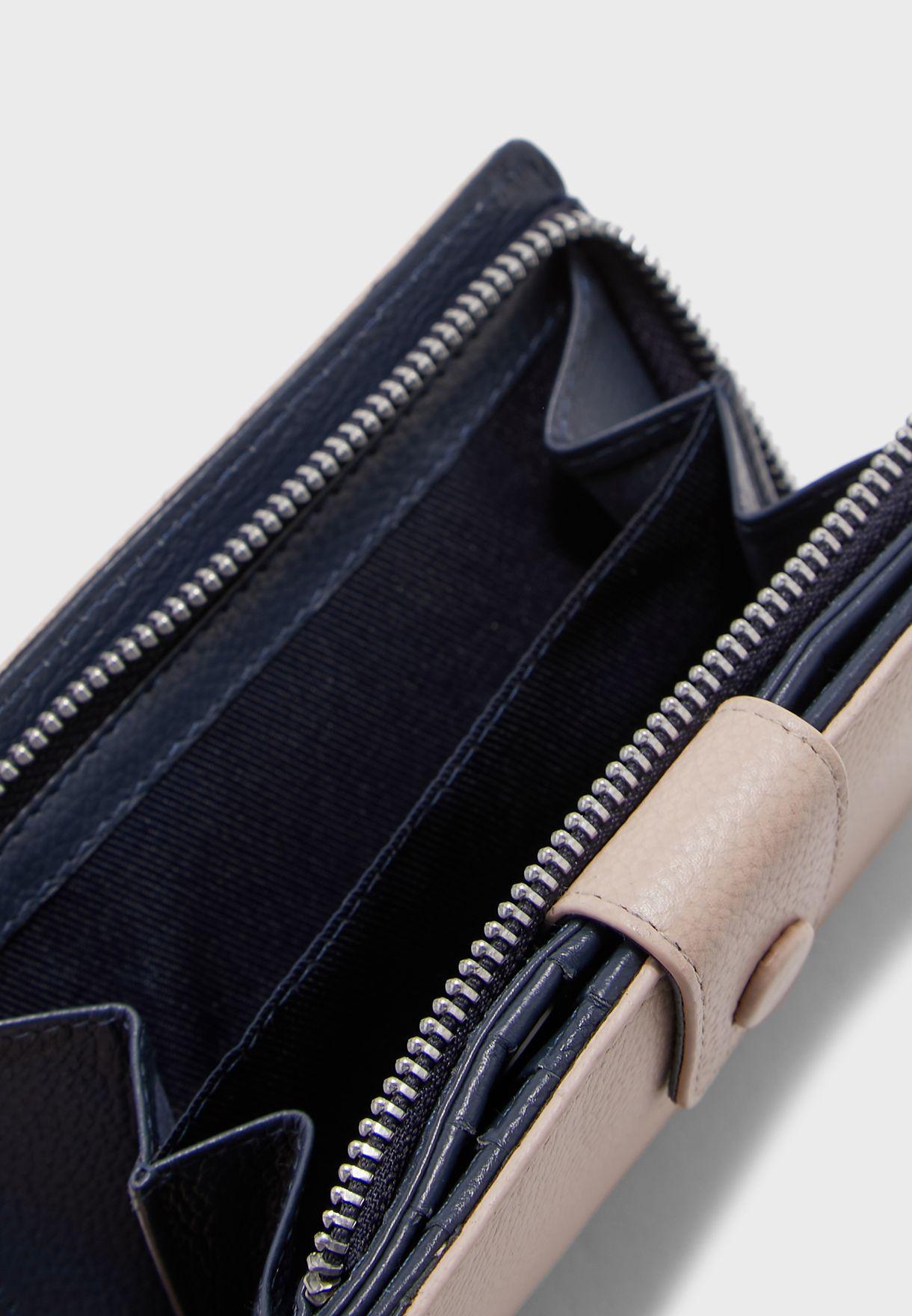 محفظة بنمط محبب