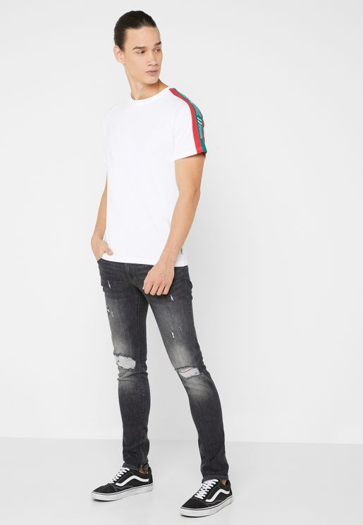 Distressed Skinny Fit Jeans