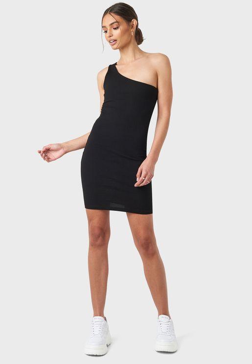 فستان ضيق بكتف واحد