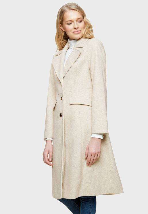 معطف بثنيات مدببة