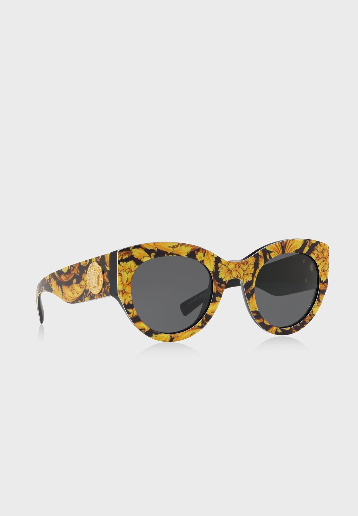 نظارة شمسية مزينة بالازهار