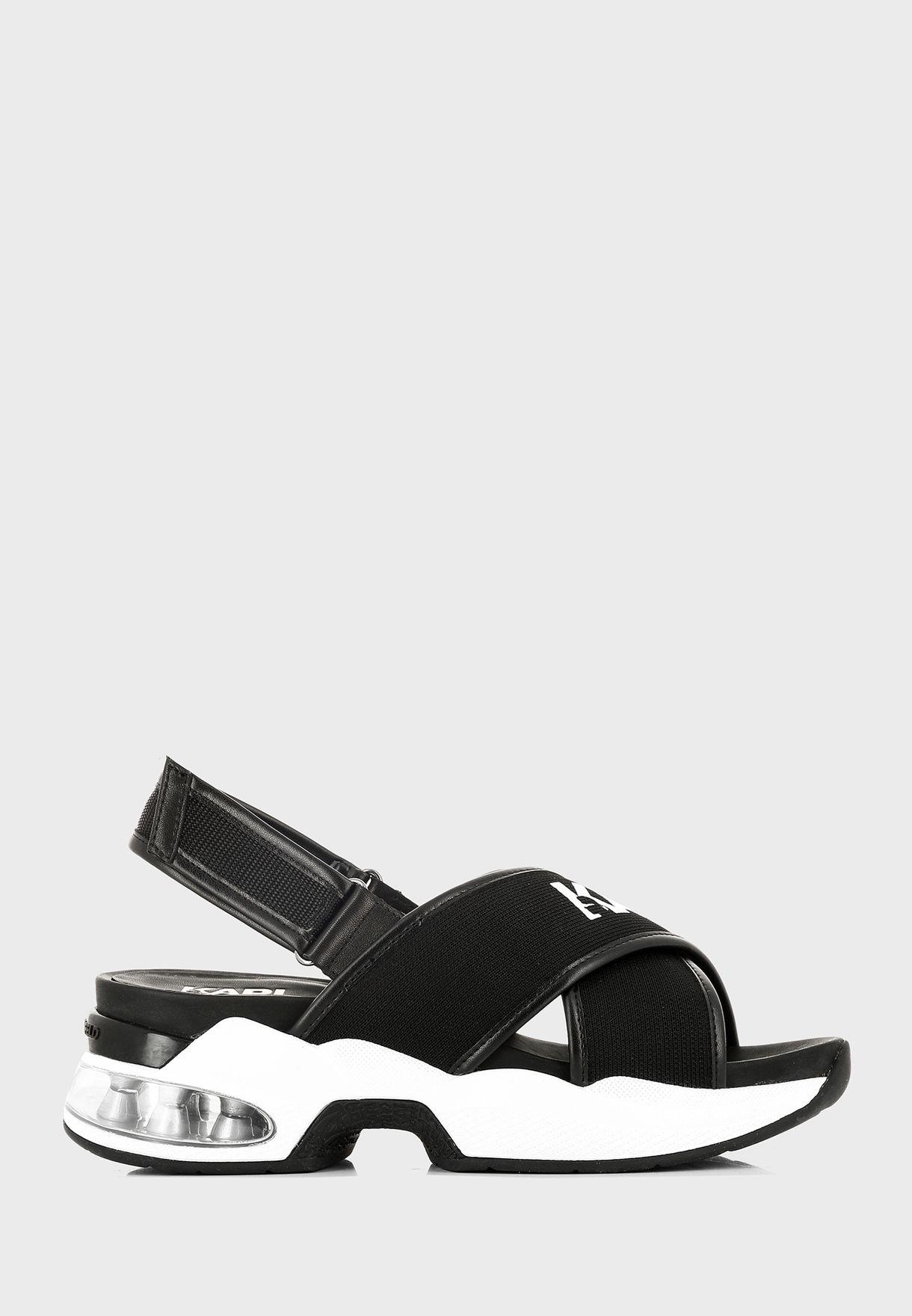 Ventura Low Top Sneaker