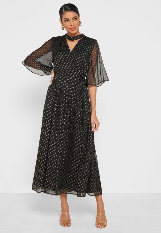 فستان بياقة شوكر