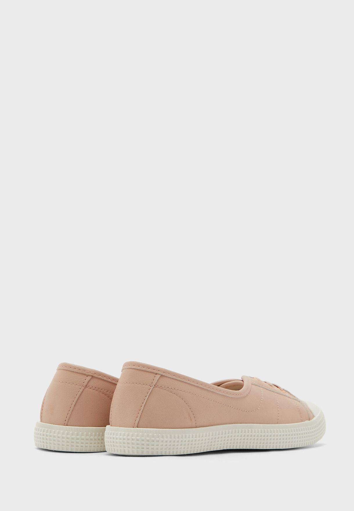 Major Low Top Sneaker