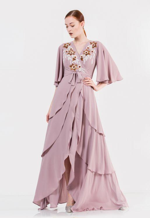 فستان طبقات بتطريز يدوي