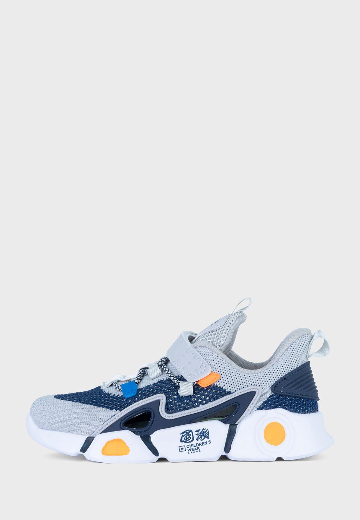حذاء سنيكرز توماس