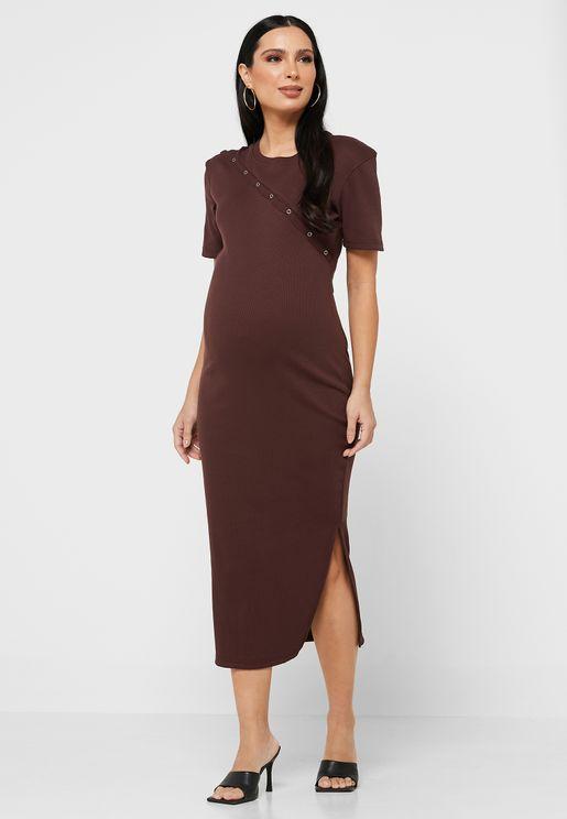 فستان بأزرار ملائم للرضاعة