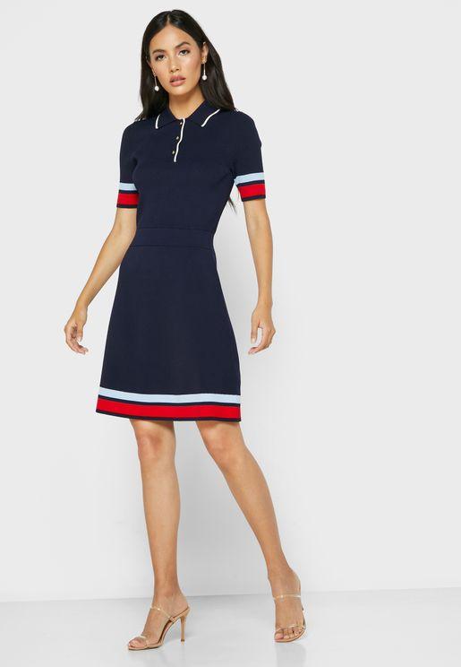 فستان مزين بطباعة خطوط
