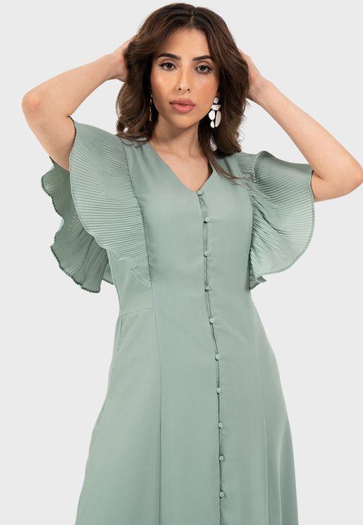 فستان بياقة V مع كسرات