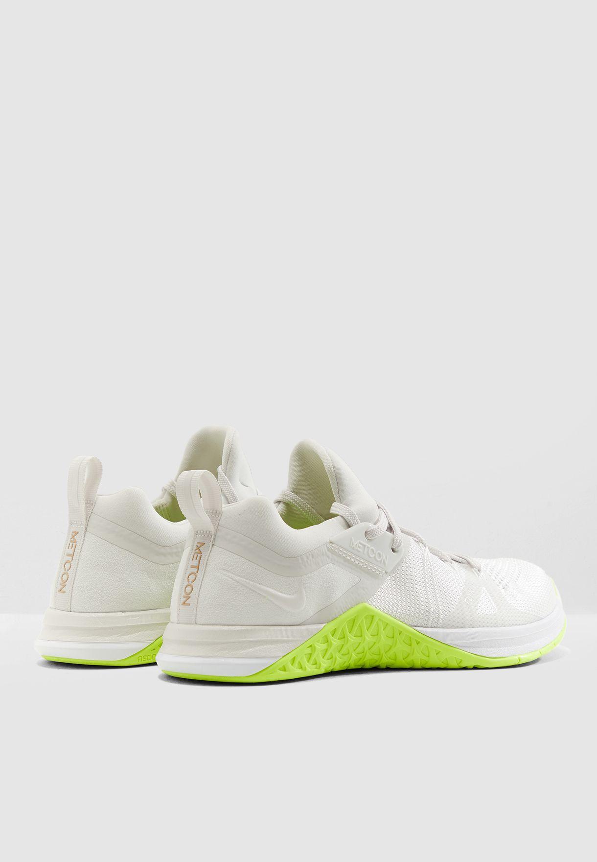 4c57902f8f98 Shop Nike grey Metcon Flyknit 3 AR5623-117 for Women in UAE ...