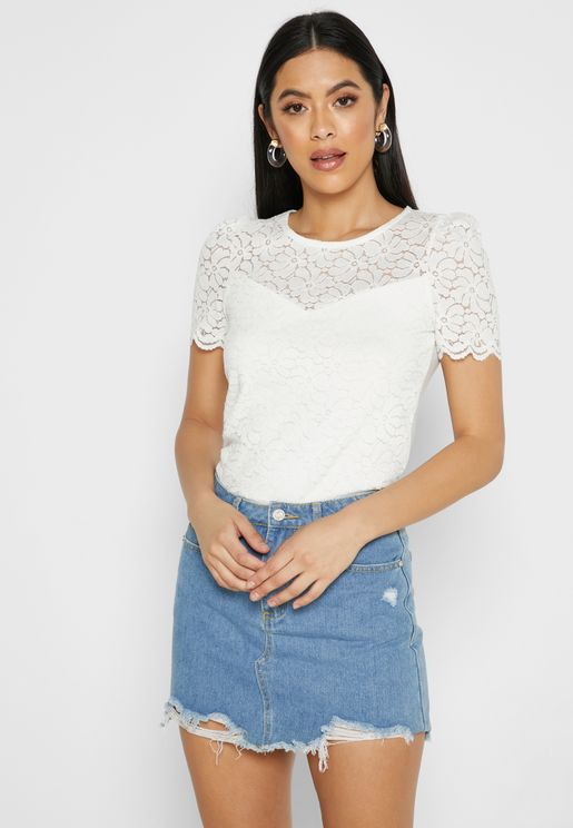 Puffed Sleeve Lace Top