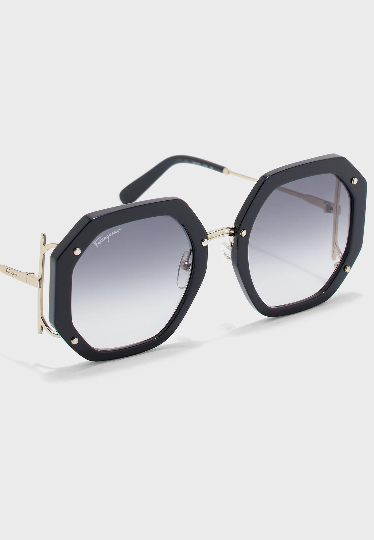 نظارة شمسية بنمط هندسي