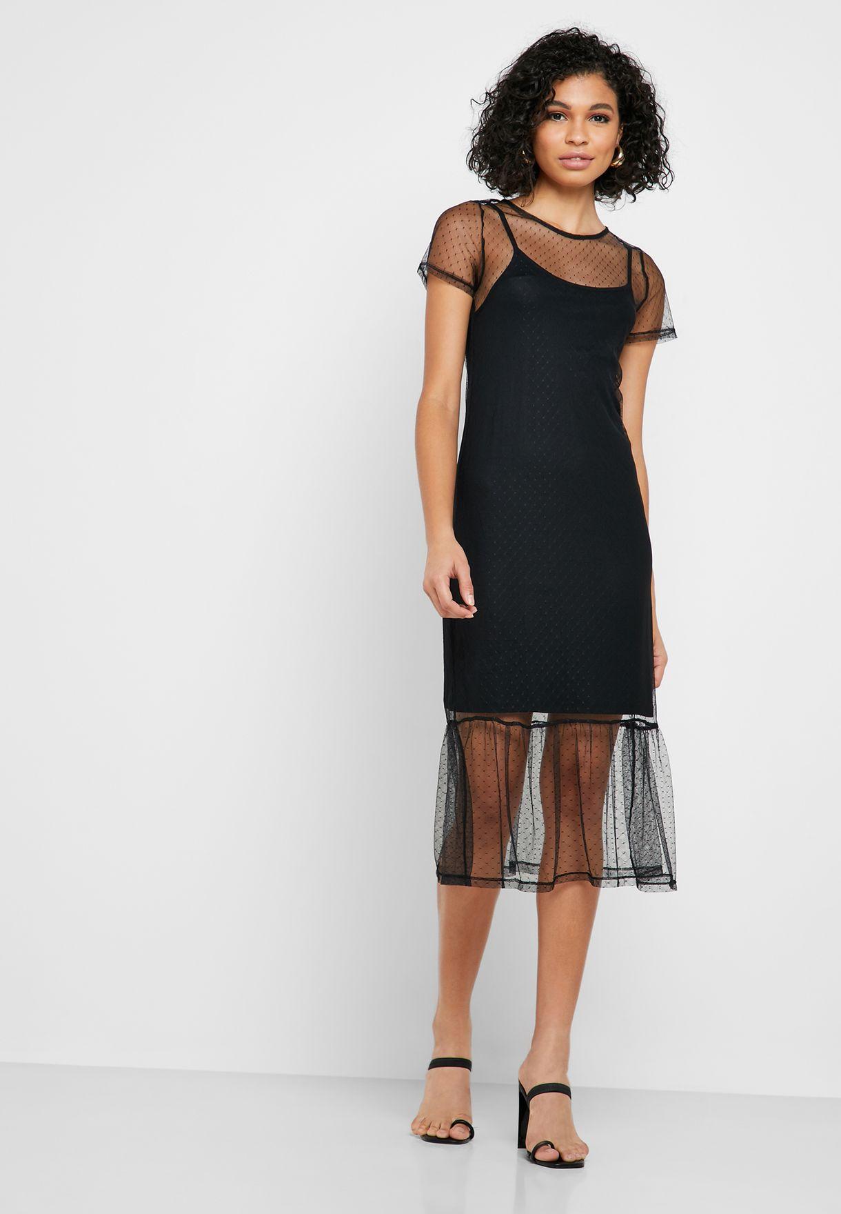 فستان شبك بأكمام قصيرة