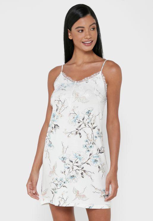 قميص نوم بطباعة زهور