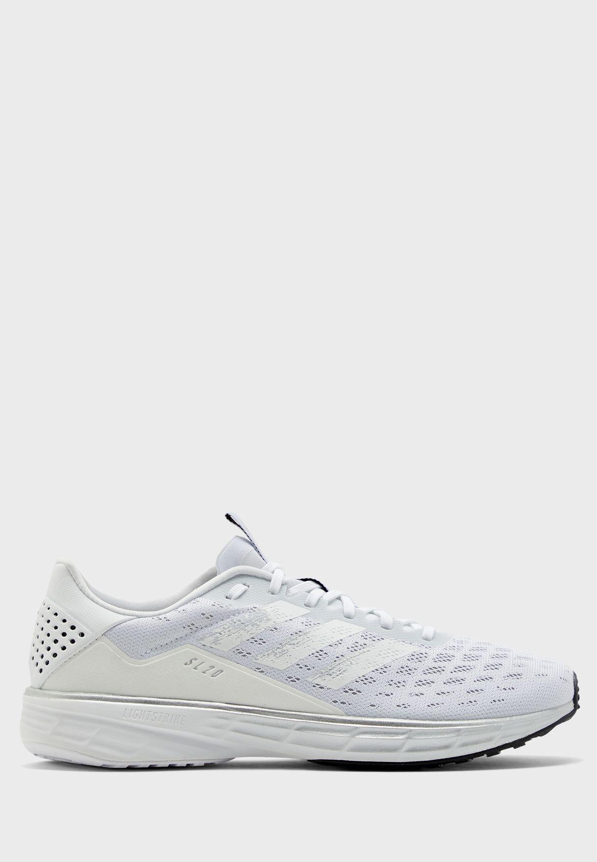 حذاء اس اي 20