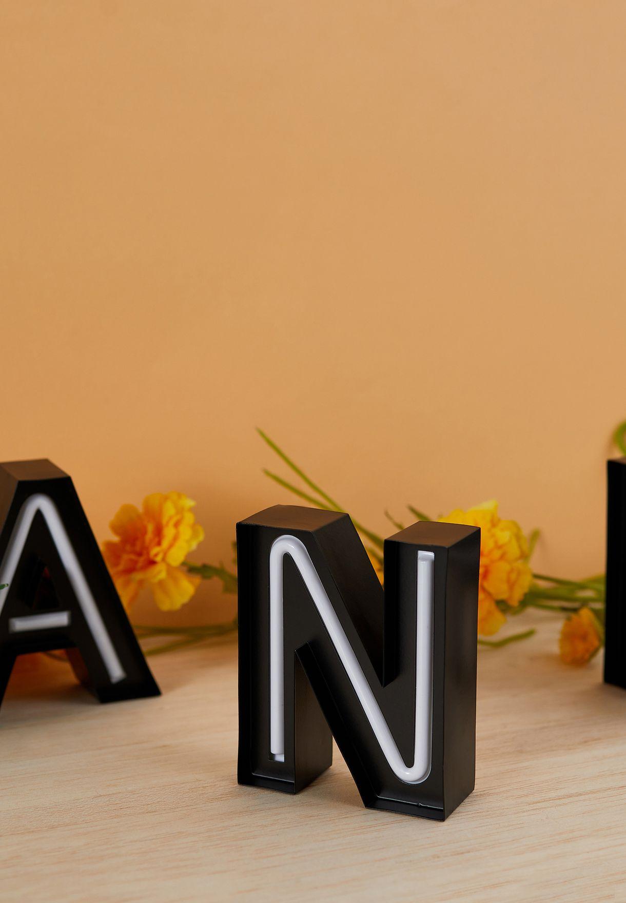 ضوء شكل حرف N