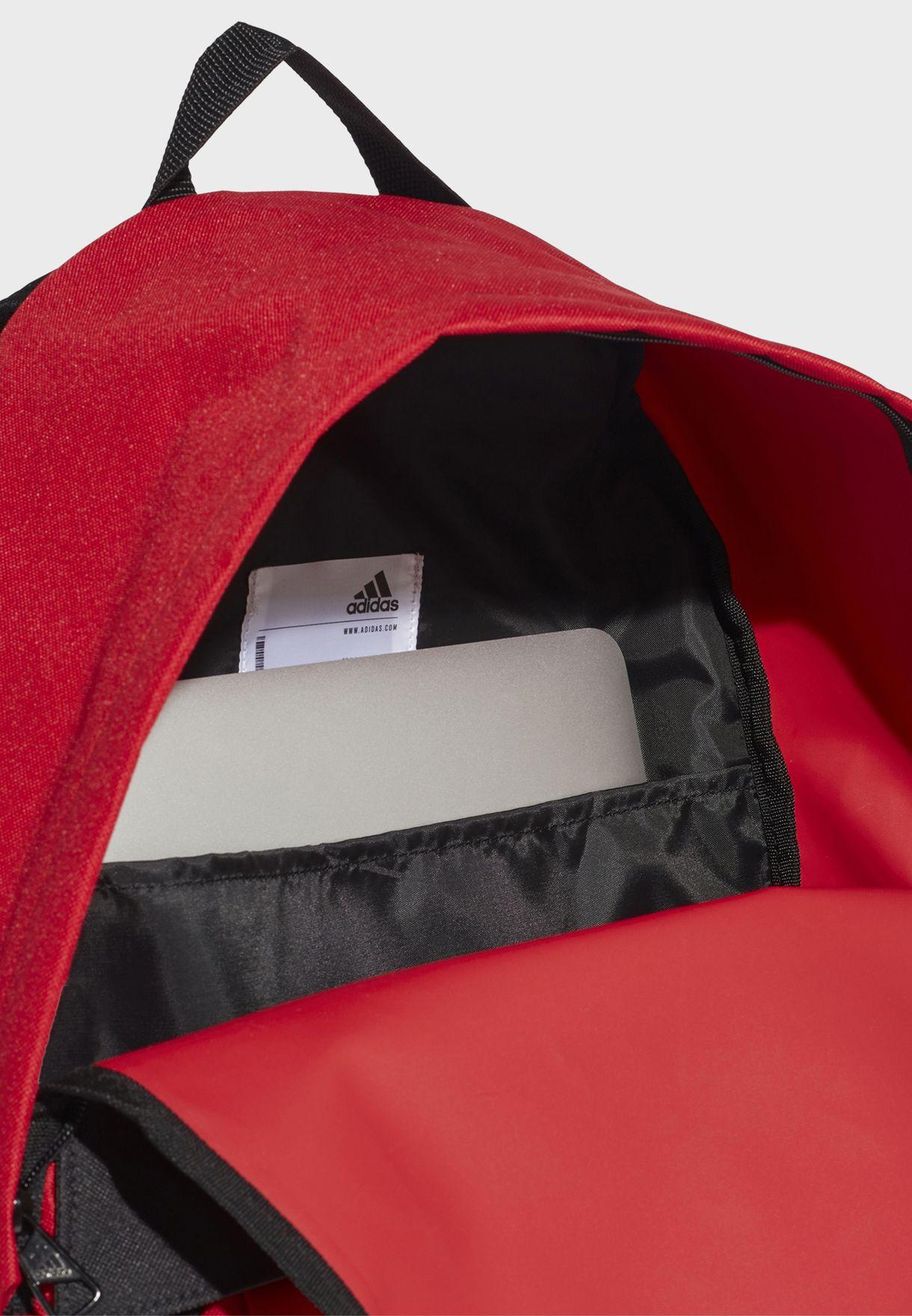 شنطة ظهر مع جيب للحاسوب